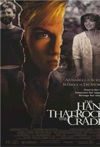 The Hand that Rocks the Cradle (1992) Poster