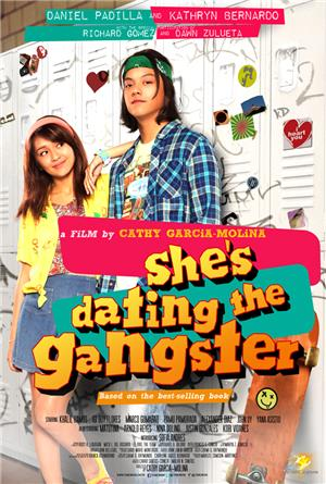 She's Dating the Gangster (2014) 1080p Poster